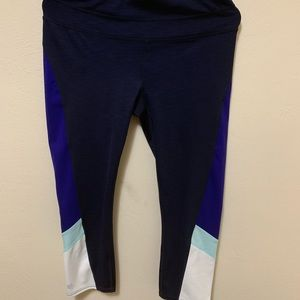 Athleta Size M Cropped Running/Yoga Leggings